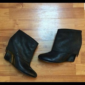 Saks 5/48 Ankle Bootie